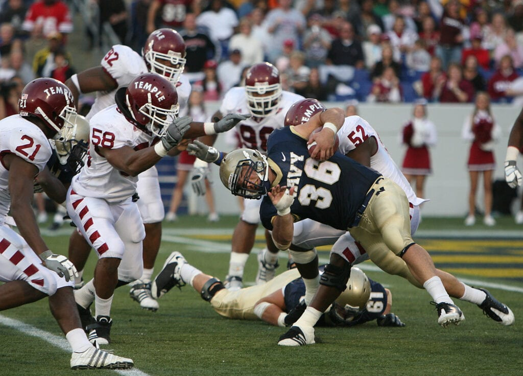 Eric Kettani leads the 4th quarter comeback against the Temple Owls.